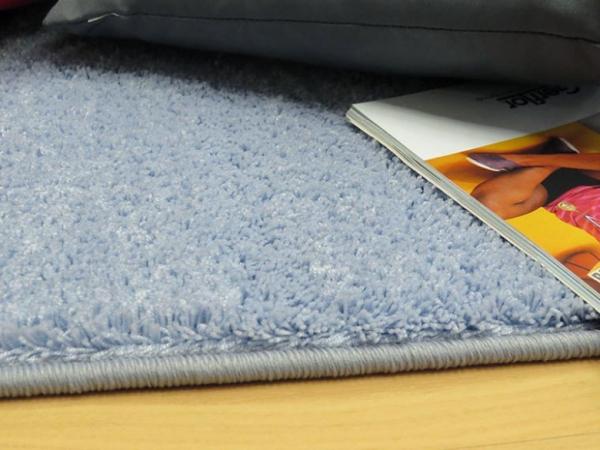 Teboshop  Velour Teppich Deluxe nach Maß in Taubenblau